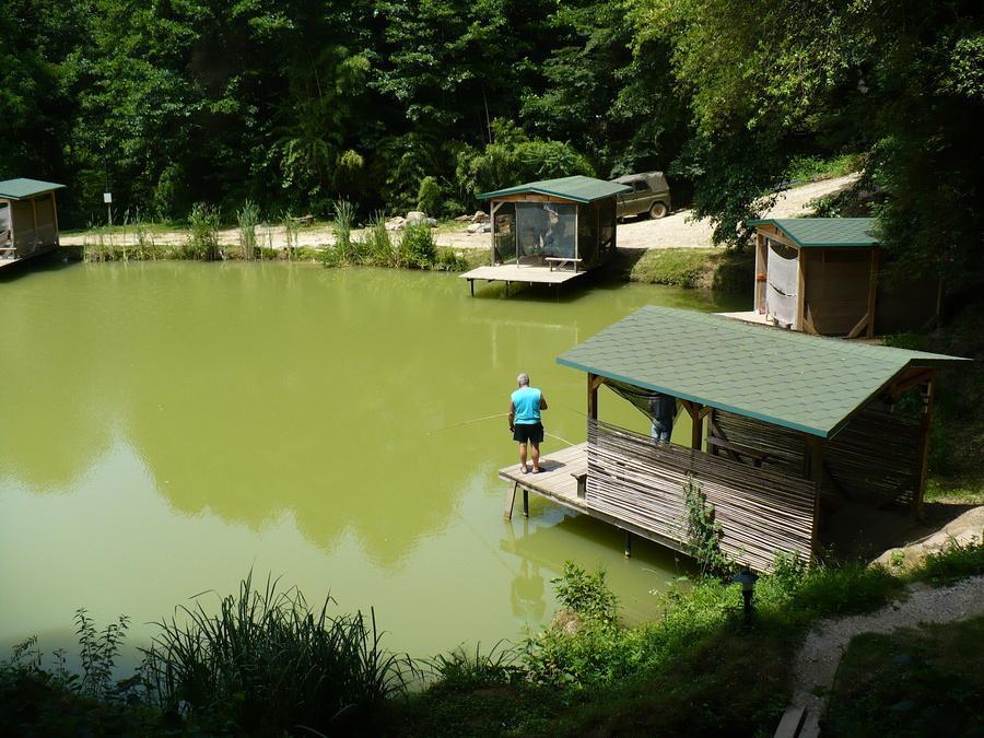 озеро в Кудепстинском лесопарке