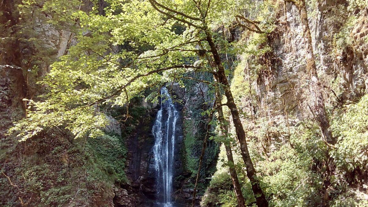 Верхний Ажекский водопад фото