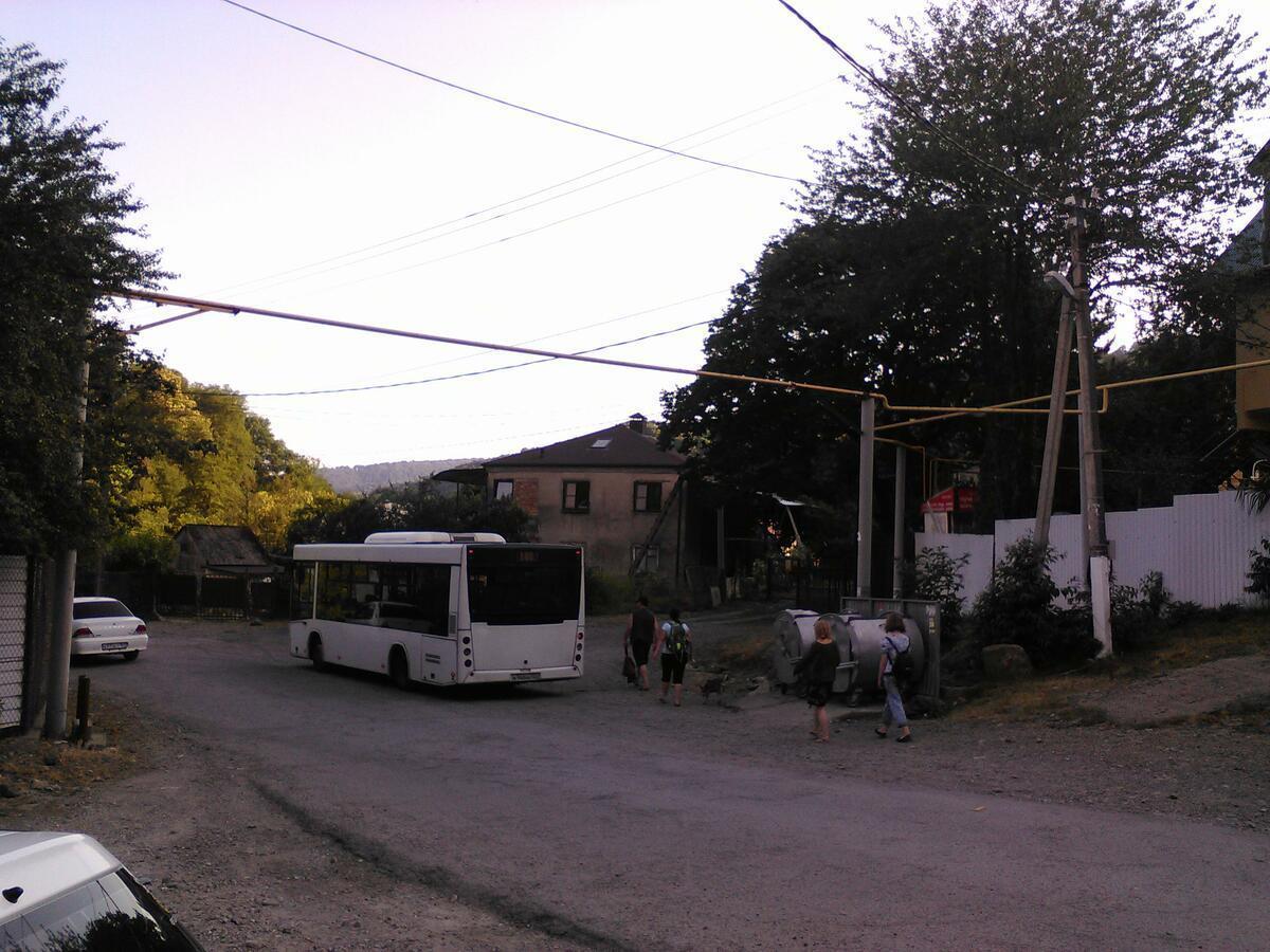 Автобус 102 Сочи