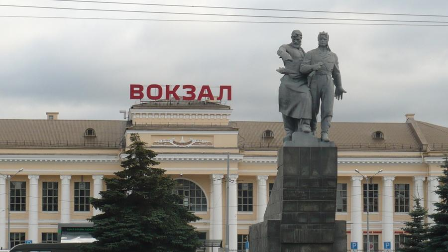 Памятник Рабочий и танкист ( Екатеринбург )