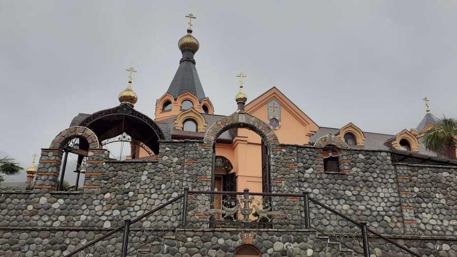 монастырь Крестовая пустынь фото