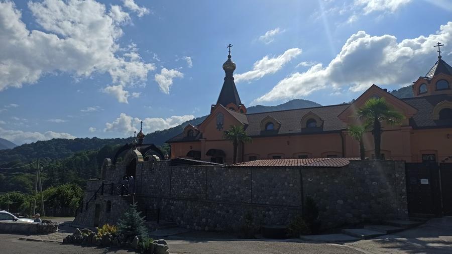 Мужской монастырь в Солохауле
