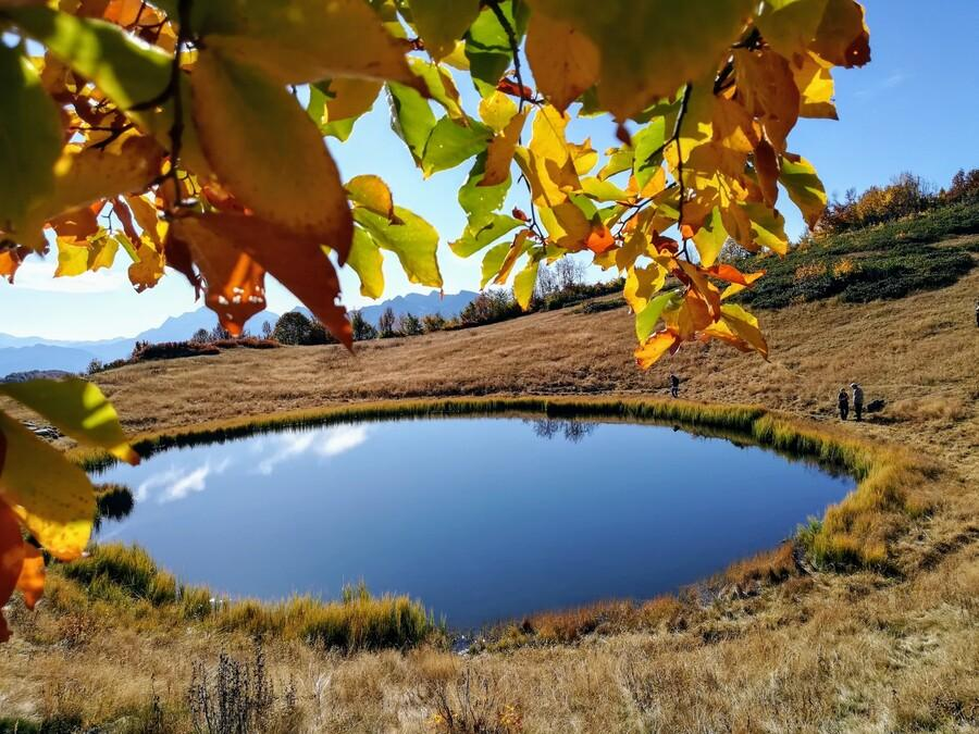 Зеркальное озеро