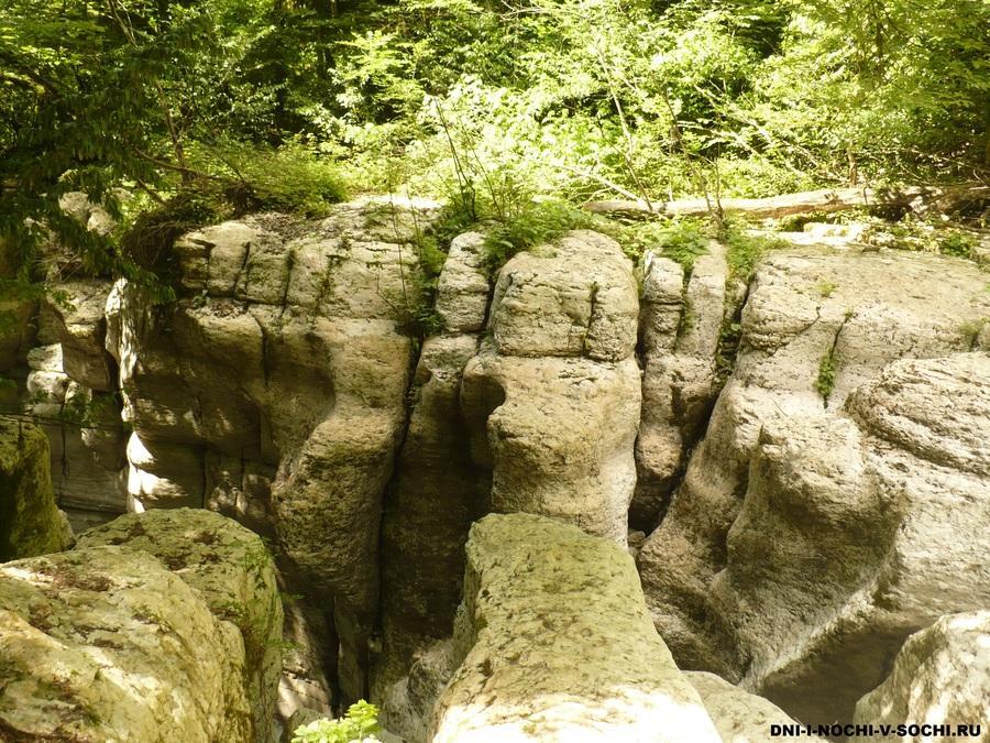 Белые скалы в Хост фото