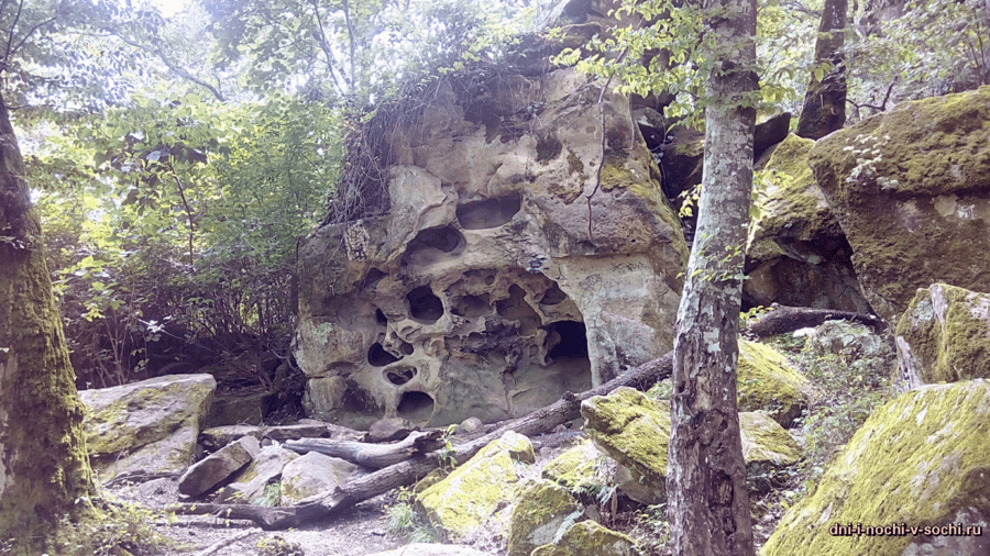 Шакалиные скалы Бытха фото