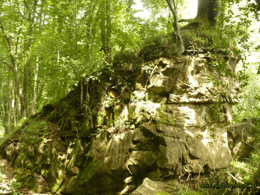 Шакалиные скалы Бытха