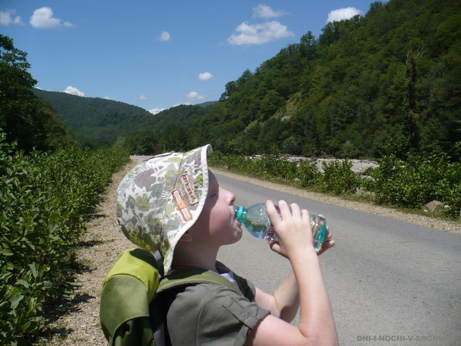 по дороге к водопадам Псыдах и Шапсуг