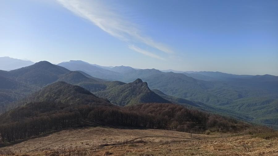 вид с вершины горы Семашхо